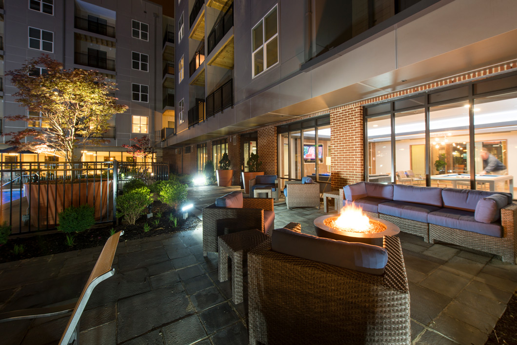 outdoor lounge at apartment in wilmington de