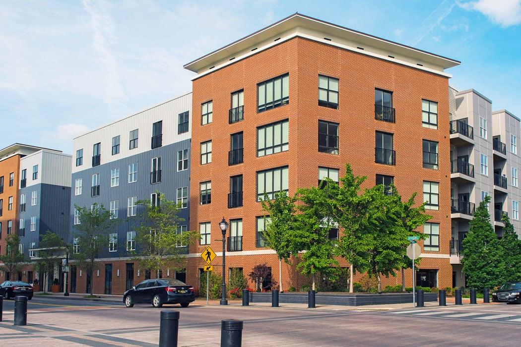 corner view of exterior building at apartment in wilmington de